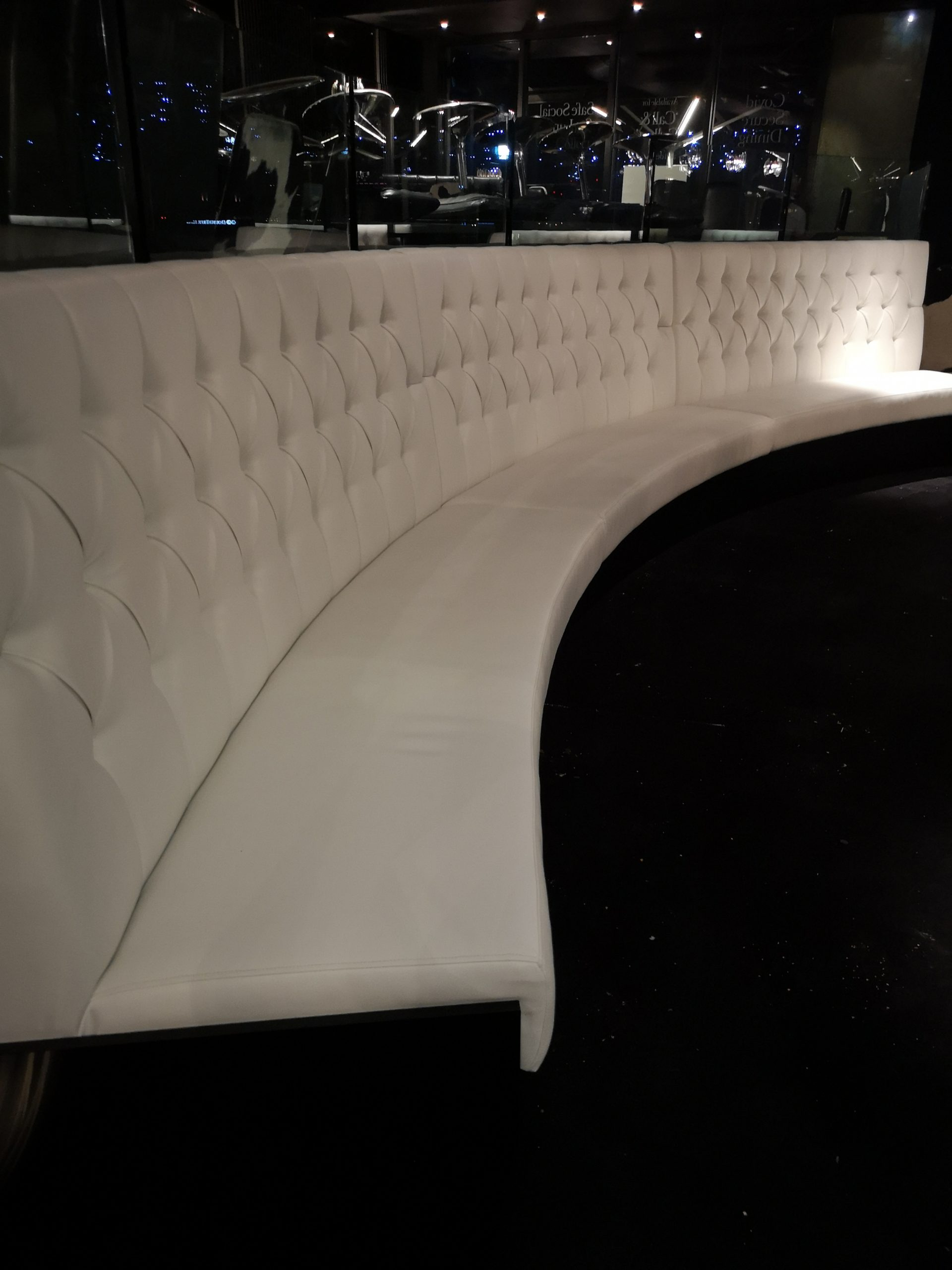 Deep Button Fixed Seating